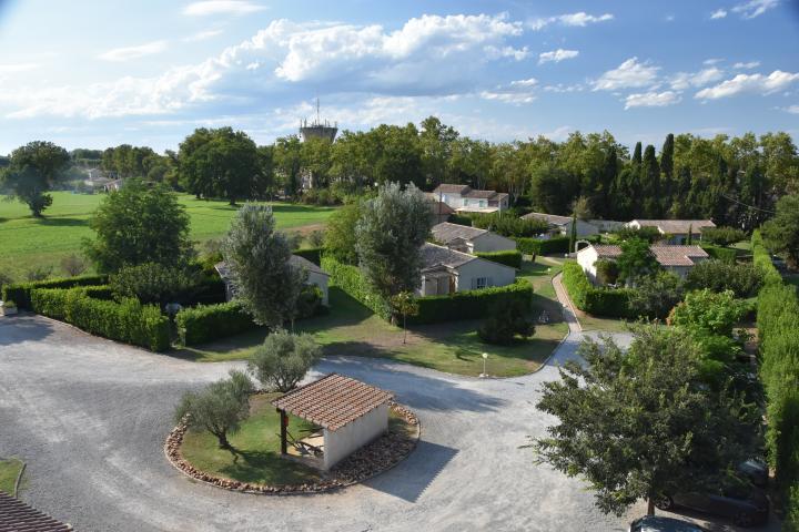 Location Gîte Vacances ARLES (2)
