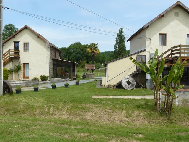 Location vacances LESPIELLE réf. C2486400