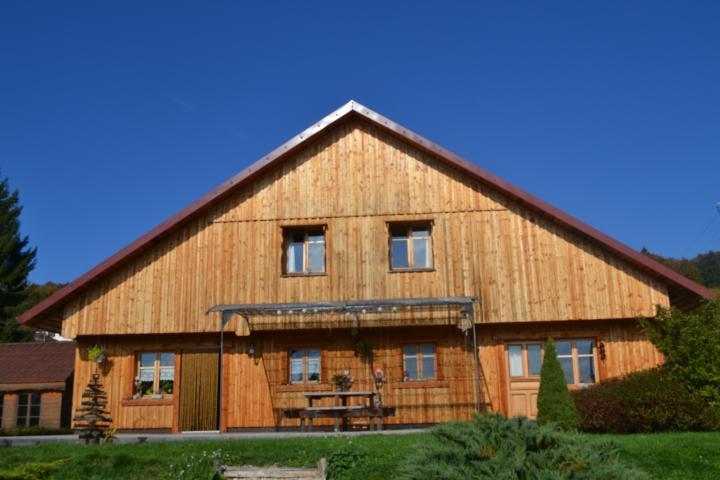 Location Chalet Vacances DOMMARTIN (1)