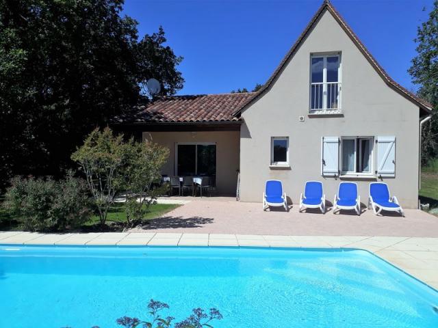 Location Gîte Vacances LOUBRESSAC (1)