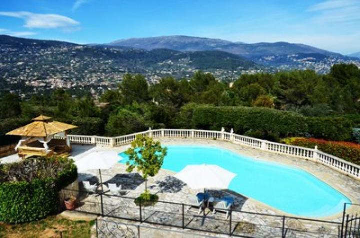 Location Chambre Vacances PEYMEINADE (1)