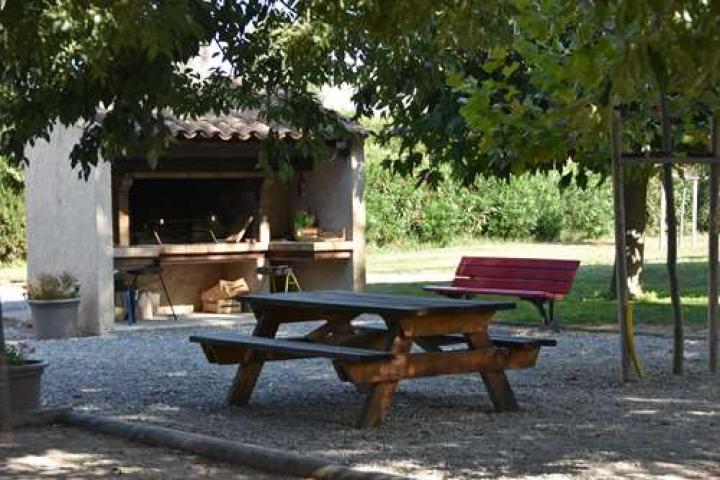 Location Gîte Vacances ARLES (12)